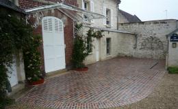 Briqueterie_dewulf_allonne-traditionnelle-brique-rouge-flamme-terrasse-sol-exterieur-trottoir-ferme