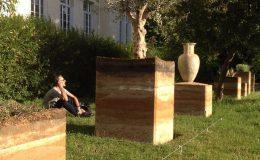 briqueterie_dewulf-allonne-amenagement-paysager-cube-terre-a-pise-vase-terre-cuite-paris-2