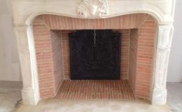 briqueterie_dewulf-allonne-restauration-cheminee-marbre-blanc-noir-plaquette-paille-rose-brique-7