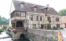 briqueterie_dewulf-allonne-restauration-moulin-colombages-enduits-argile-colores-carrelage-3